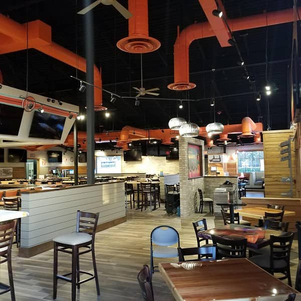 Hooters Rides Wave of Growth with 200th Corporate Location Opening  In East Kissimmee, Florida
