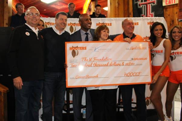 Hooters Donates $200,000 to The V Foundation for Cancer Research