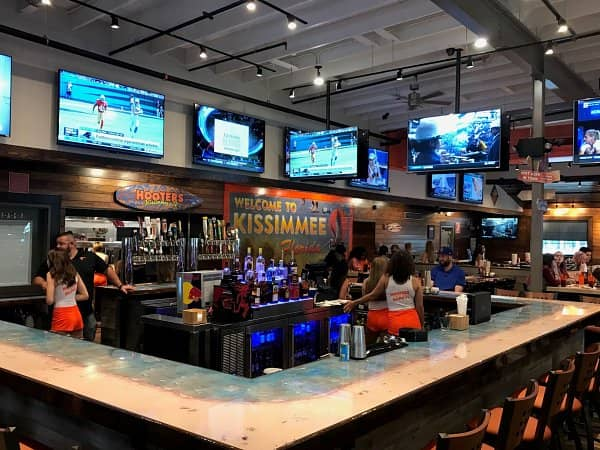 Hooters Unveils New Location in West Kissimmee