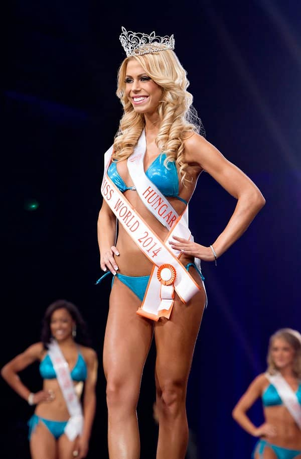 Nikolett Szollath Named Miss Hooters World in Annual Hooters International Swimsuit Pageant