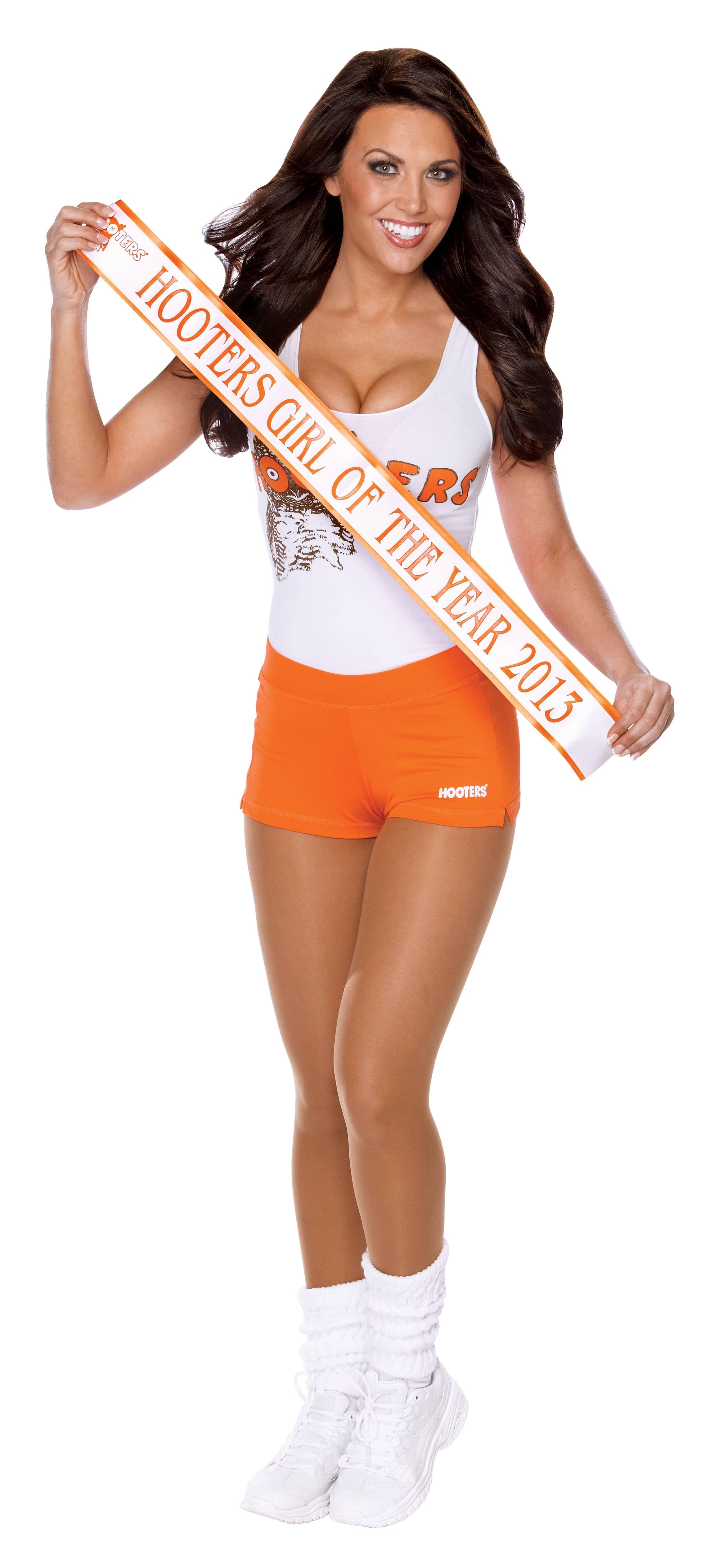 hooters-girls-orange-shorts
