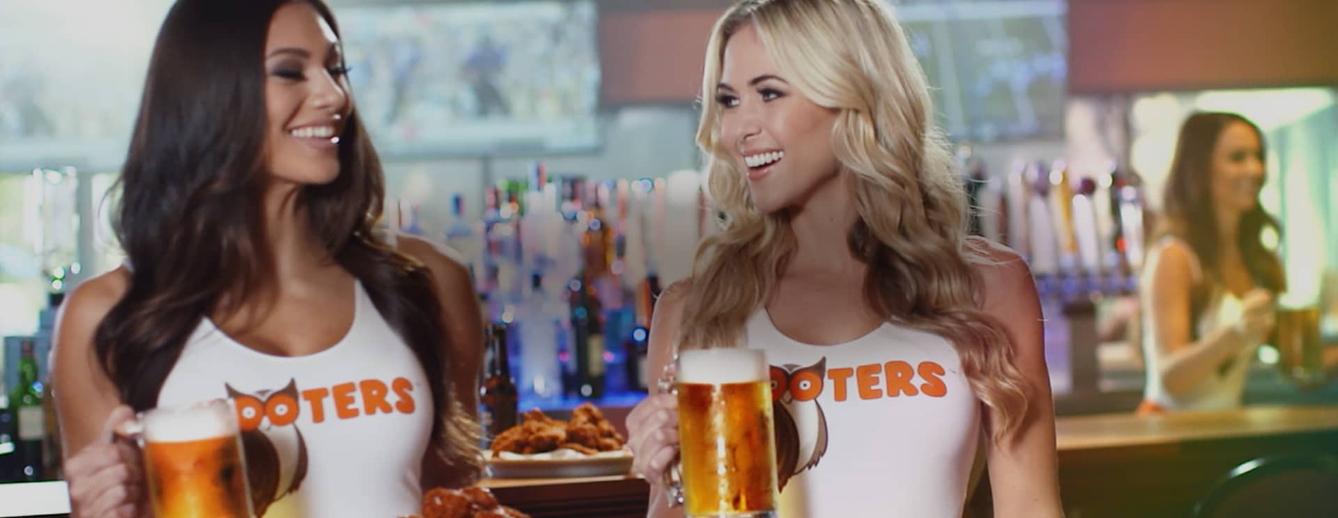 Hooters Hero Image