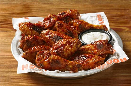 Will eat hooters naked wings anal